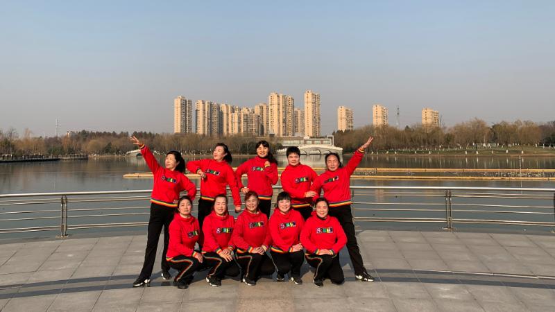 青儿广场舞仙缘尘梦-适合大众快乐健身的自由弹跳64步