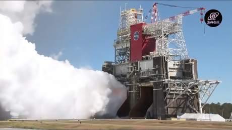 NASA成功完成SLS运载火箭热火测试 四台发动机持续点火超过八分钟-《天文在线》