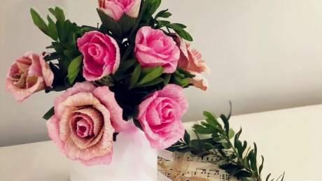 DIY纸花教程,宣纸玫瑰花的制作方法!-《DIYS巧手制造》