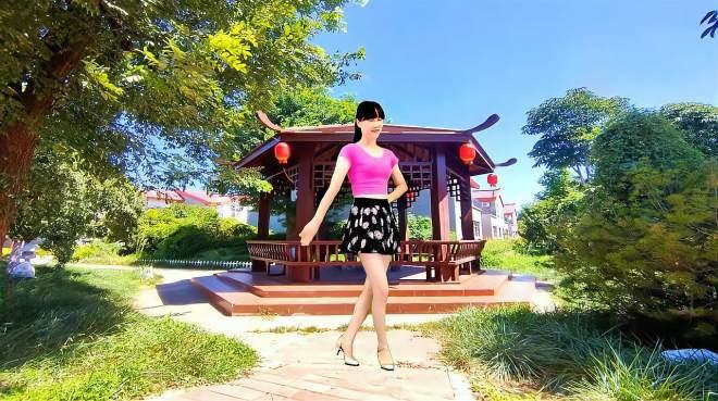 阳光香果广场舞情为何物-优美抒情32步广场舞,好听好看!