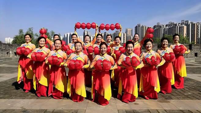 康乃馨广场舞看山看水看中国-向建党一百周年献礼!