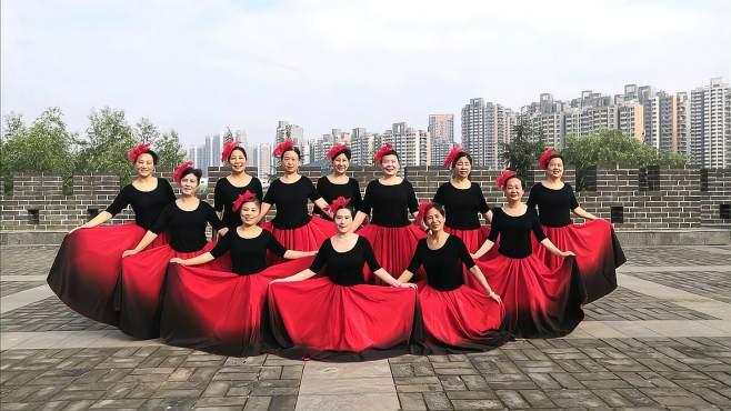 康乃馨广场舞让中国更美丽-红裙飘飘,流畅唯美!