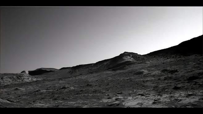 好奇号火星车在火星山顶拍到两个不明物体-《天文在线》