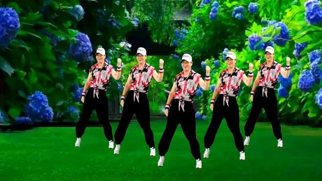 彩虹健身广场舞算你狠-跳64步送胯舞,其实很拽酷